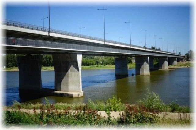 Most Łazienkowski z kładką dla rowerów